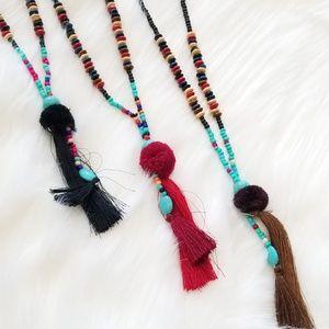 Jewelry - Beaded fringe pom pom necklace